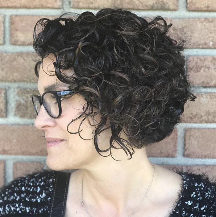 cabelo cacheado curto