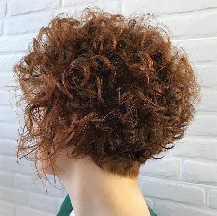 cabelo curto cacheado nuca raspada