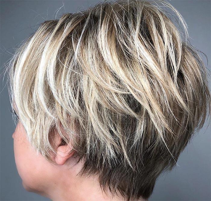 cabelo curto repicado com luzes