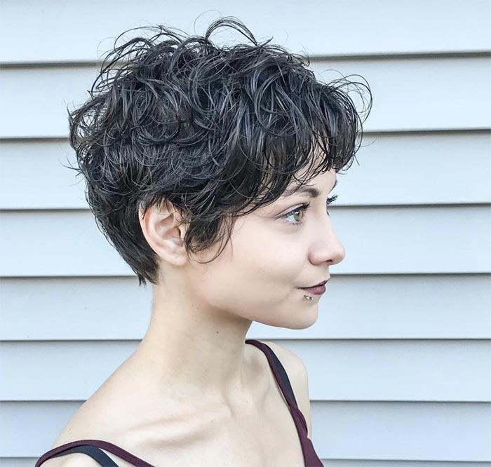 cabelo repicado luzes grisalhas