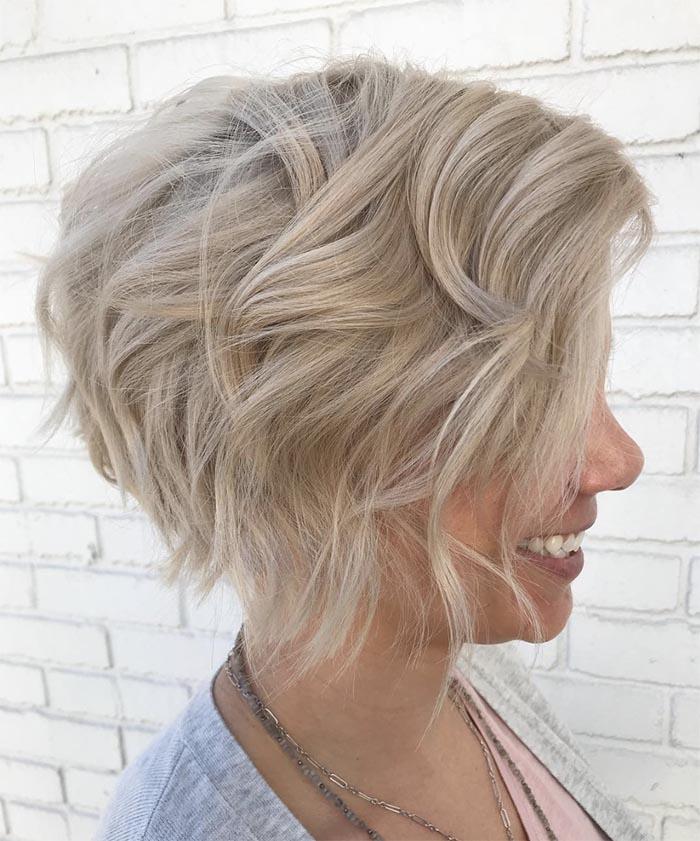 cabelo repicado platinado