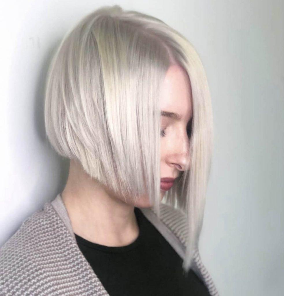 chanel de bico cabelo platinado