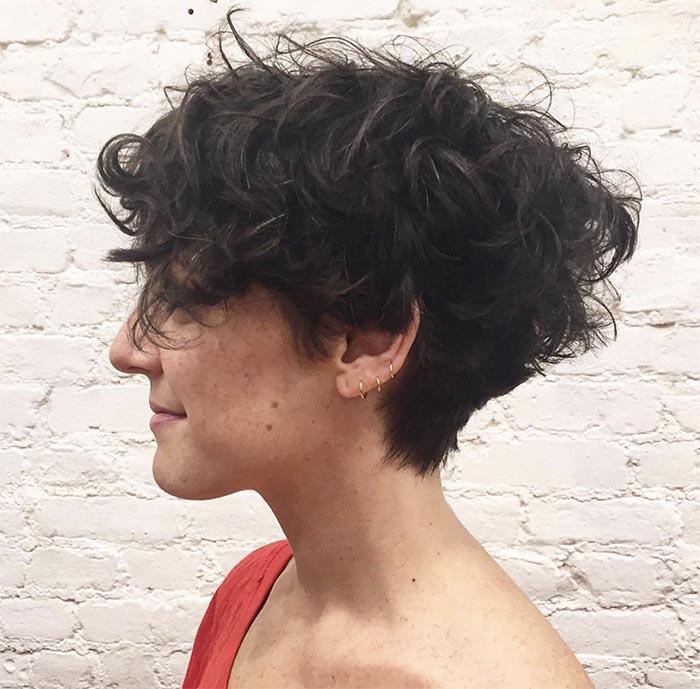 curto na nuca cabelo cacheado