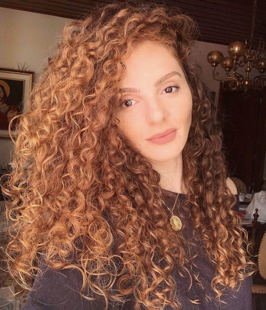 longo e ruivo cabelo