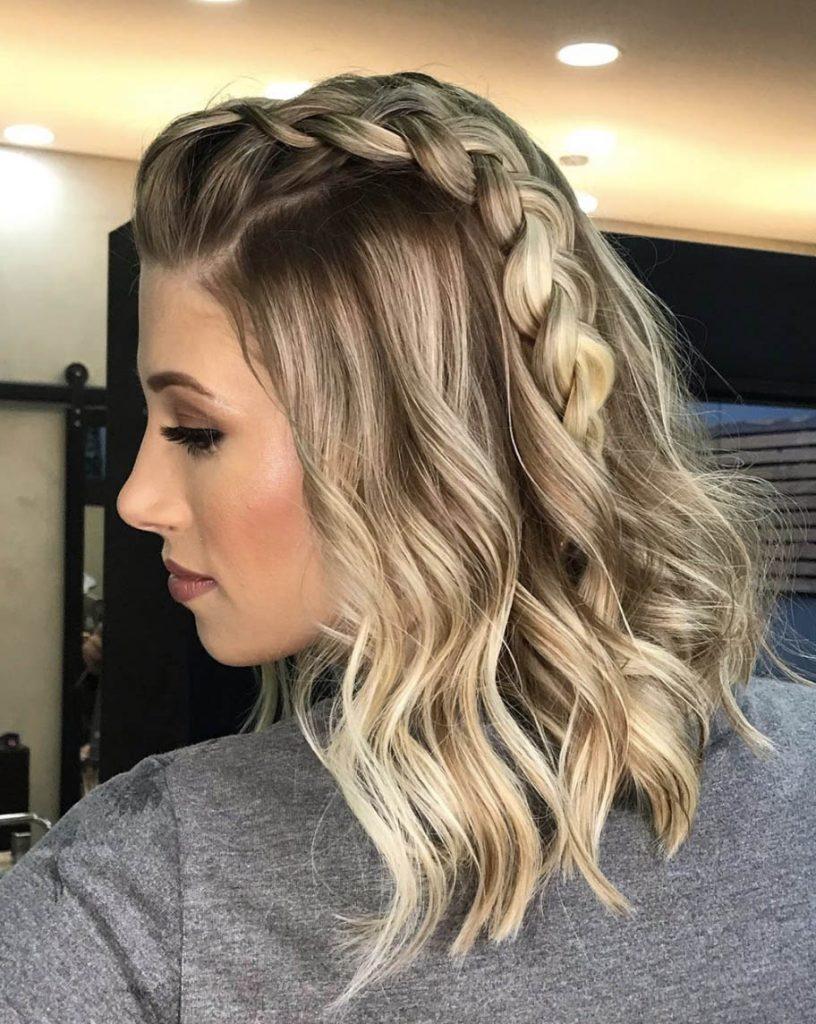 penteado cabelo curto ondulado com tranca