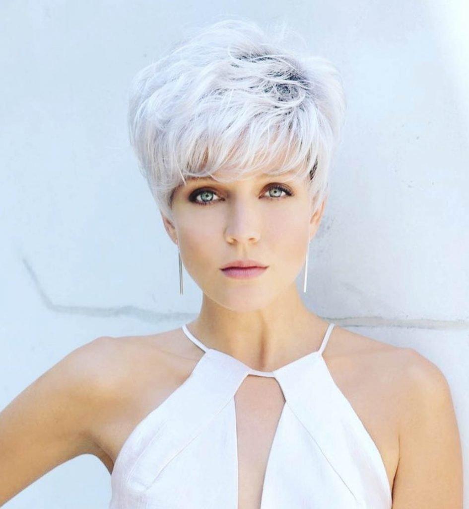 pixie cabelo branco com franja
