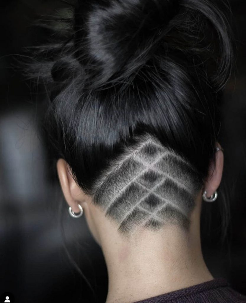 undercut com tattoo